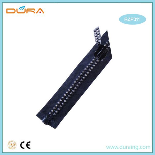 RZP011 Resin Zipper Featured Image