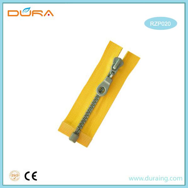 RZP020 Resin Zipper Featured Image